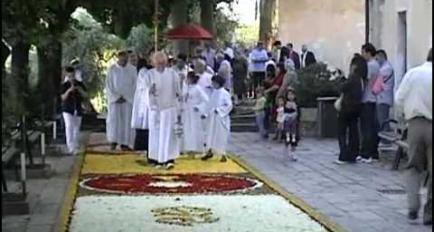 Embedded thumbnail for Video Infiorata del Corpus Domini