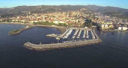 Embedded thumbnail for Video Porto turistico Diano Marina