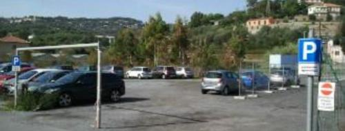 Parcheggio Via Villebone (Ph: La Stampa)