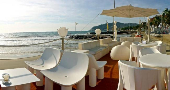 Bagni Ponterosso | Turismo Diano Marina